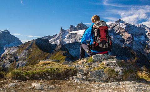 Immobilien Kramsach Wandern in den Alpen Symbolbild