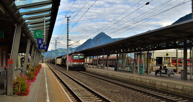 Zugverbindung Tirol Symbolbild