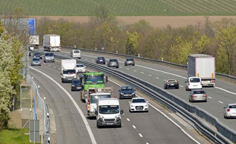 Geschäftslokal mieten Kufstein Verkehrsanbindung Symbolbild